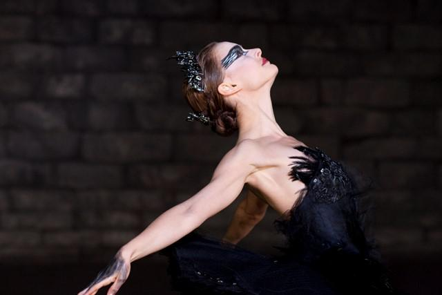 "In this film publicity image released by Fox Searchlight, Natalie Portman is shown in a scene from ""Black Swan."" (AP Photo/Fox Searchlight, Niko Tavernise) Film Review Black Swan"