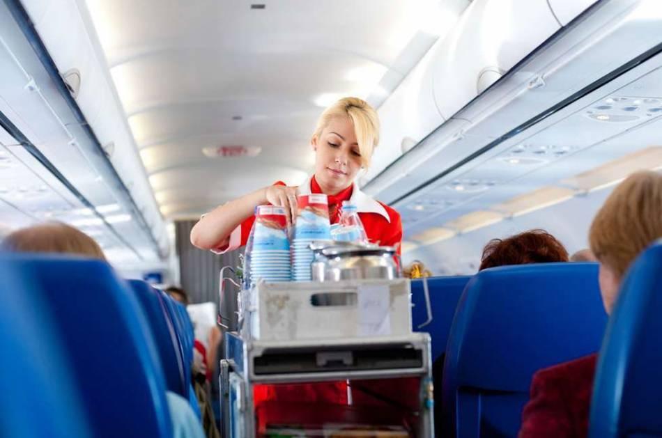 Почему не стоит заказывать кофе в самолете