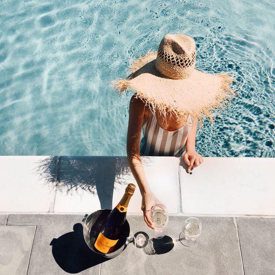 Нервным женщинам необходимо ежедневно пить шампанское, — ученые. | | Top  Friends