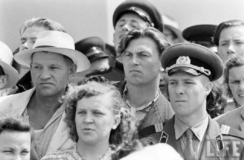 Родом из СССР: 6 дурацких привычек, от которых пора бы избавиться.